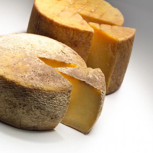 Quesos: medio queso de oveja semi-curado 650 g